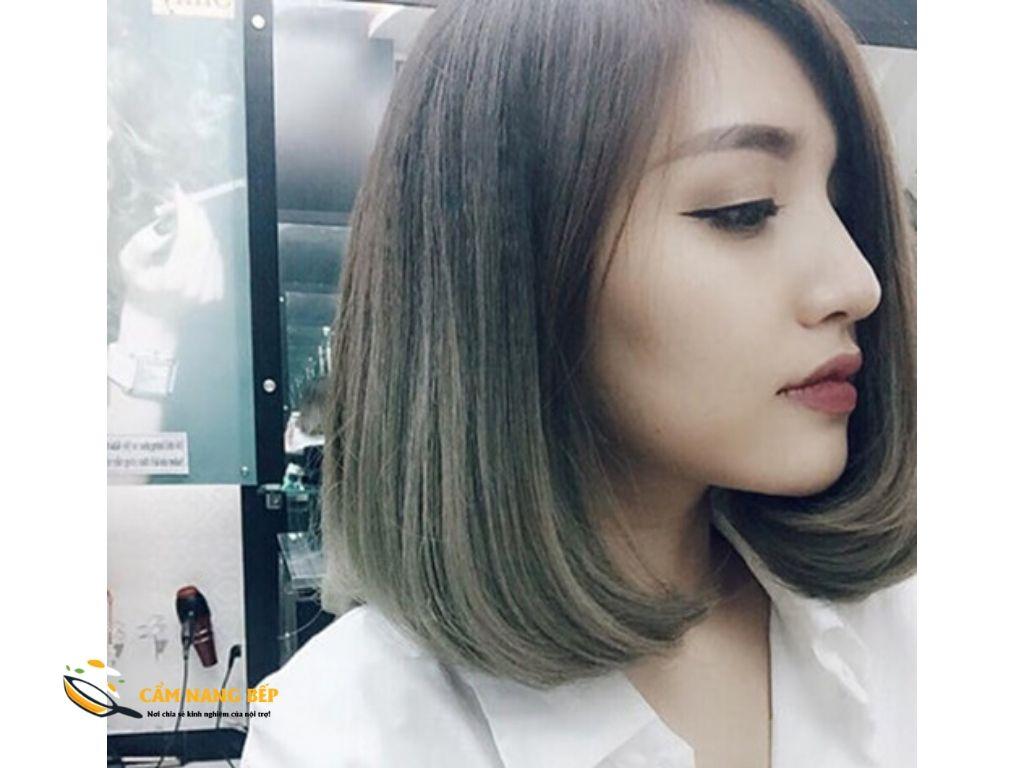 Hãy thử ngay những tóc uốn cụp tươi mới này, gương mặt của bạn sẽ trở nên trẻ trung và thể hiện rõ hơn khuôn mặt V line của bạn đấy nhé.