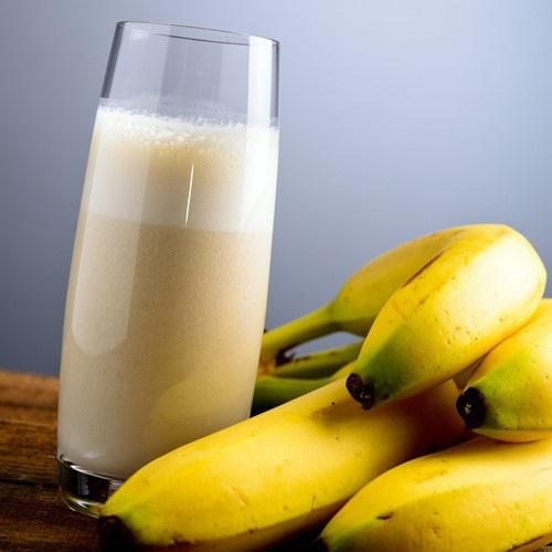 Thực đơn giảm cân ngày 4: Chuối và sữa