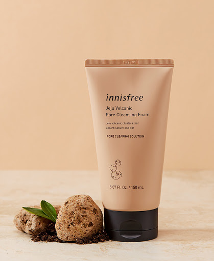 Review sữa rửa mặt Innisfree Jeju Volcanic Pore Cleansing Foam